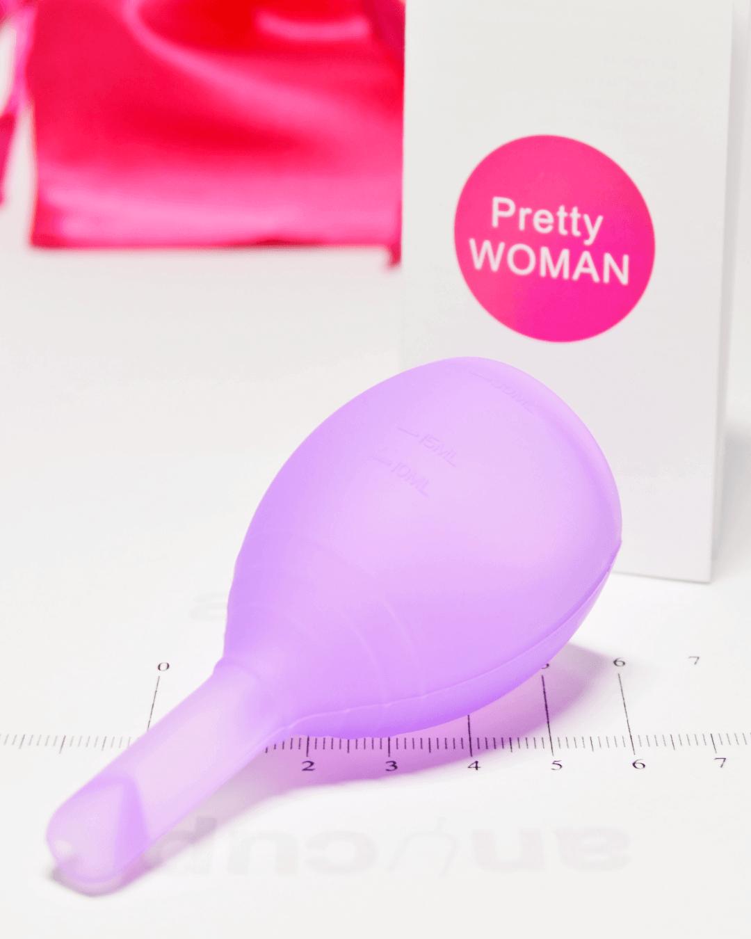 Фиолетовая менструальная чаша PrettyWoman с клапаном, метки объема