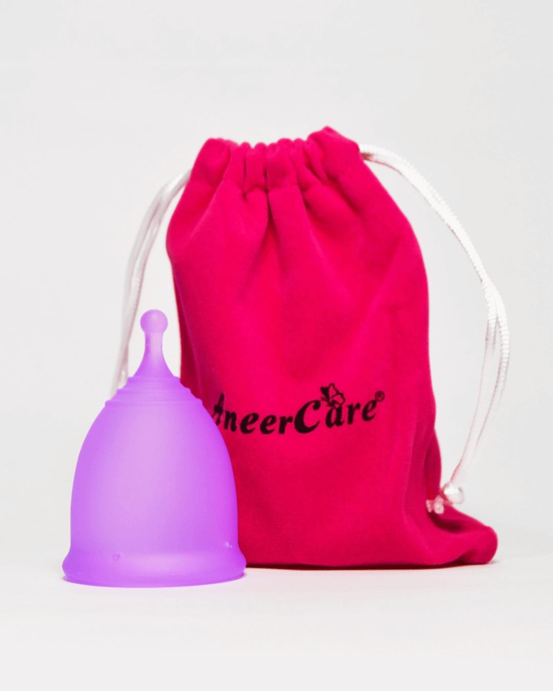 Фиолетовая менструальная чаша AneerCare с хвостиком «шар» (комплектация)