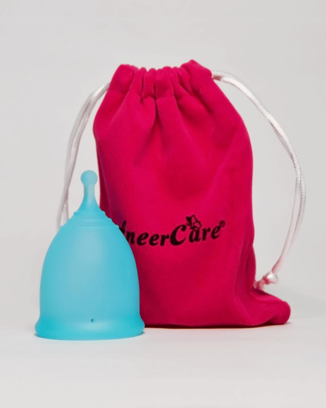 Голубая менструальная чаша AneerCare с хвостиком «шар» (комплектация)