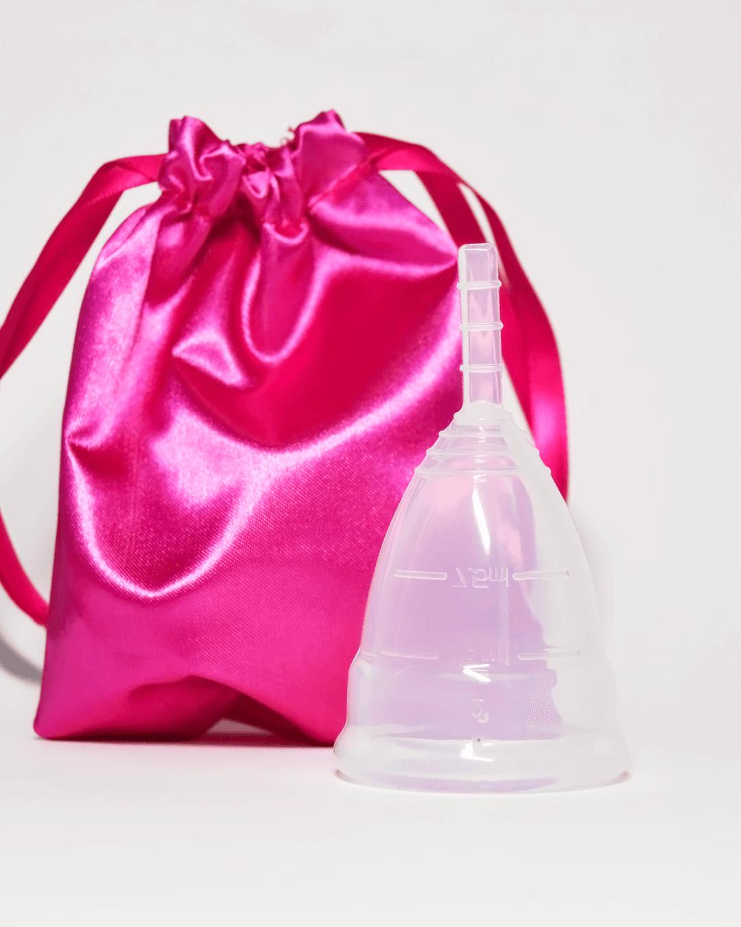 Белая менструальная чаша AneerCare с мешочком
